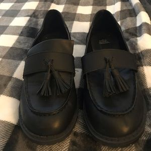 Shoes - Wild Fable Black shoes